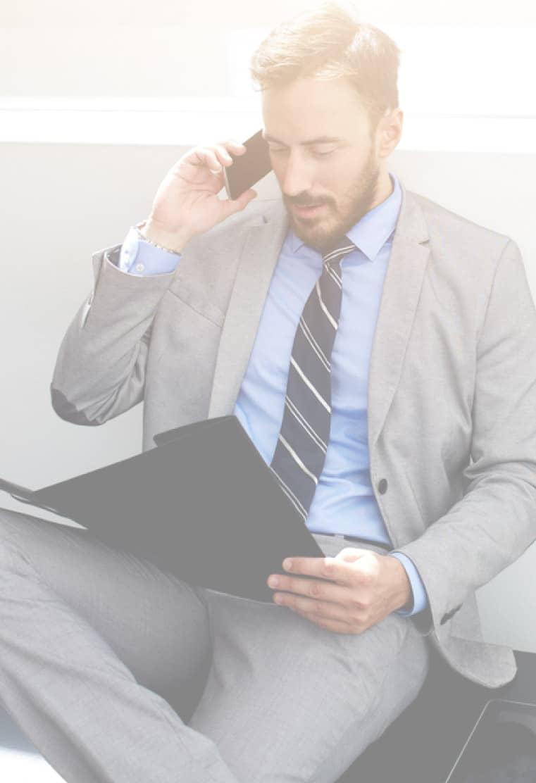 employee calling employment lawyer